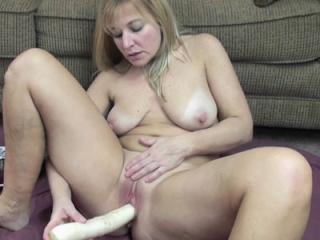 Busty blonde housewife Liisa is using three huge v
