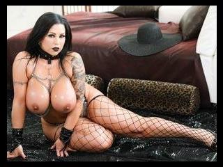 Tits and Tattoos : Sheridan Love