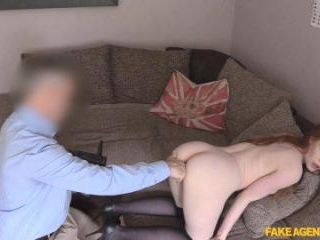 Unexpected Creampie for Sexy Redhead
